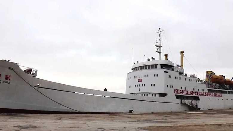 万景峰号をメディア初取材。北朝鮮の「謎の船」の実態を詳しくレポート