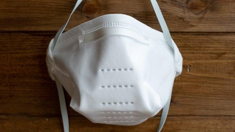 医療用マスク「N95」が世界的に不足…経団連が12万枚以上確保して医療現場支援<br />