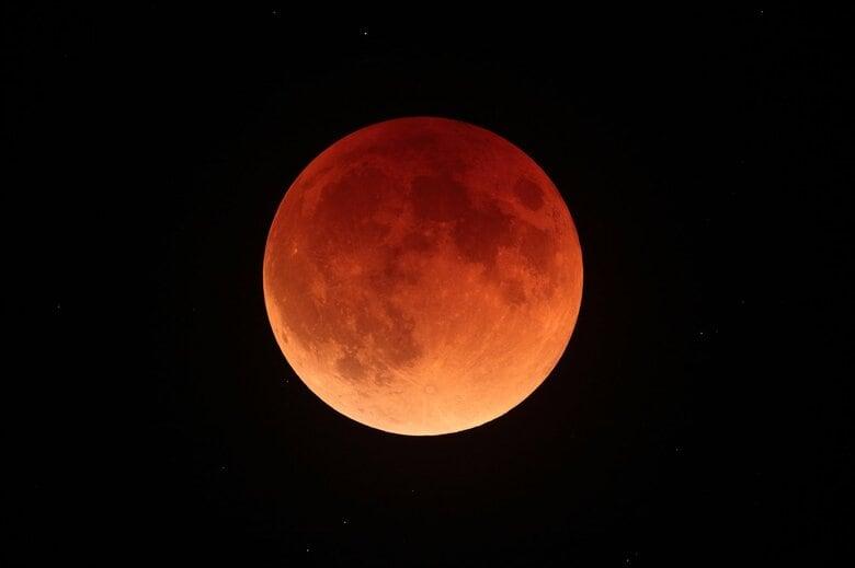 """5月26日は""""スーパームーン皆既月食"""" 次回は12年後! 楽しむためのポイントを国立天文台に聞いた"""