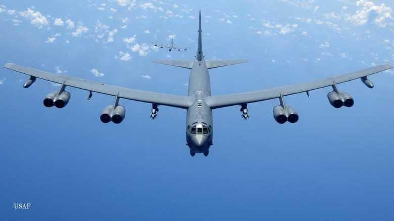 核搭載可能B-52H爆撃機の東シナ海飛行と英海軍強襲揚陸艦「アルビオン」が東京港入港