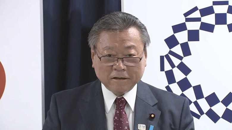 """汗だく桜田大臣に国会紛糾 実力不足?官邸のミス?""""しどろもどろ答弁""""の余波"""