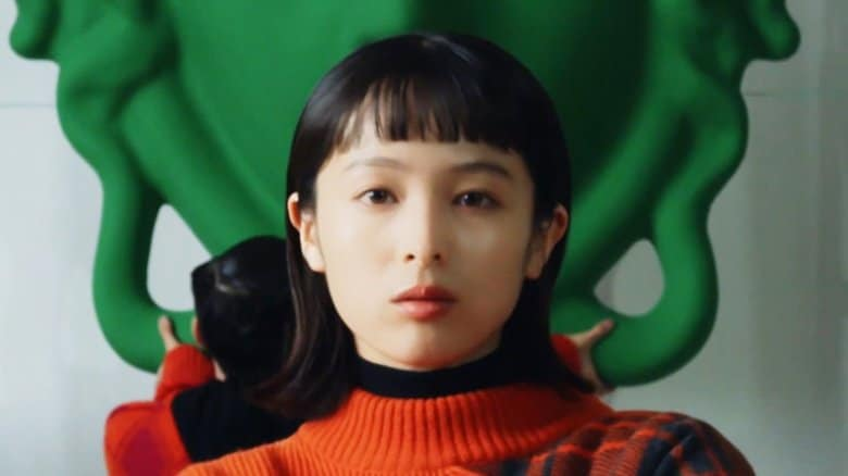 """""""モードでクール""""清野菜名がVERSACE日本初アンバサダーに 普段着は「回し蹴りしやすい服」"""