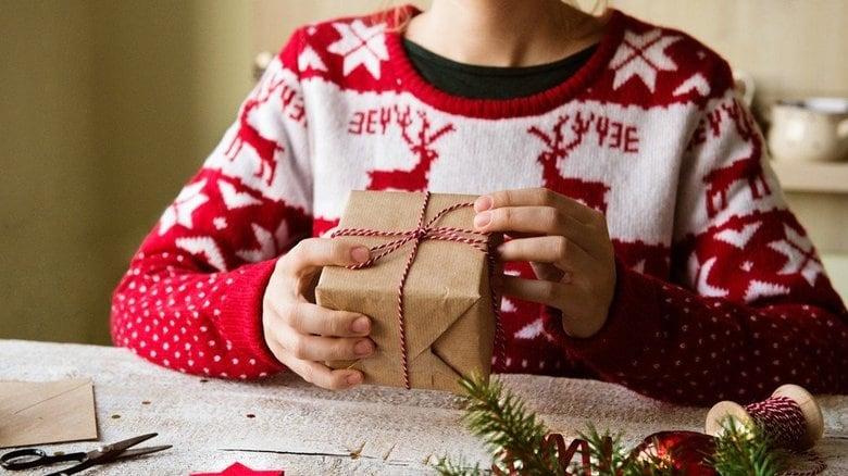 """日本にも浸透中!? """"ダサい""""セーターでクリスマスを楽しもう"""