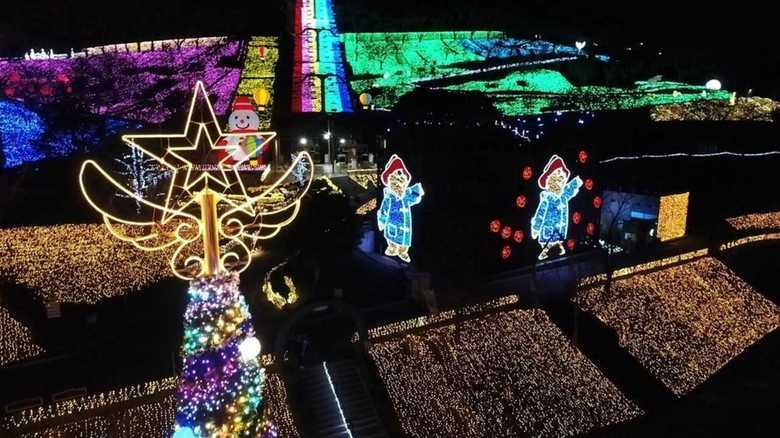 冬のお薦めイルミネーション LED電球600万個を一望できる空中散歩も!