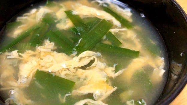 """「かき混ぜた方向と逆回転で卵を入れるとフワフワ」…全農広報部の""""卵スープ""""レシピが美味しそう"""
