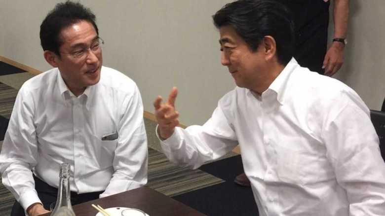 岸田氏と会ってない?首相動静に浮かぶ「空白の時間」の怪