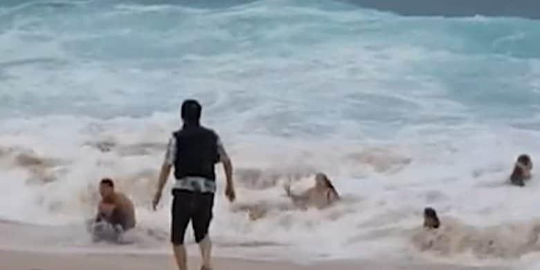 超大型台風10号が接近中!海水浴場で水難事故多発の理由は「もどり流れ」!?そのメカニズムとは?