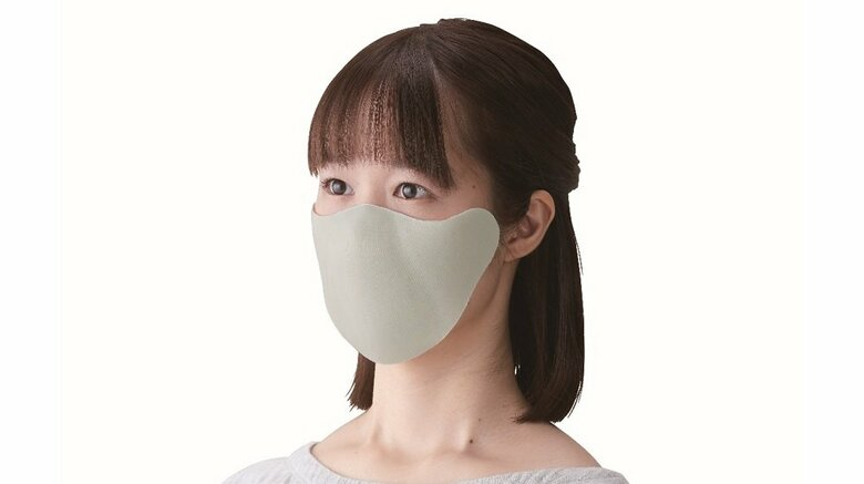 """顔に貼り付ける「ひもなしマスク」で耳の痛みから解放…文具を扱う""""キングジム""""開発の着け心地を聞いた"""