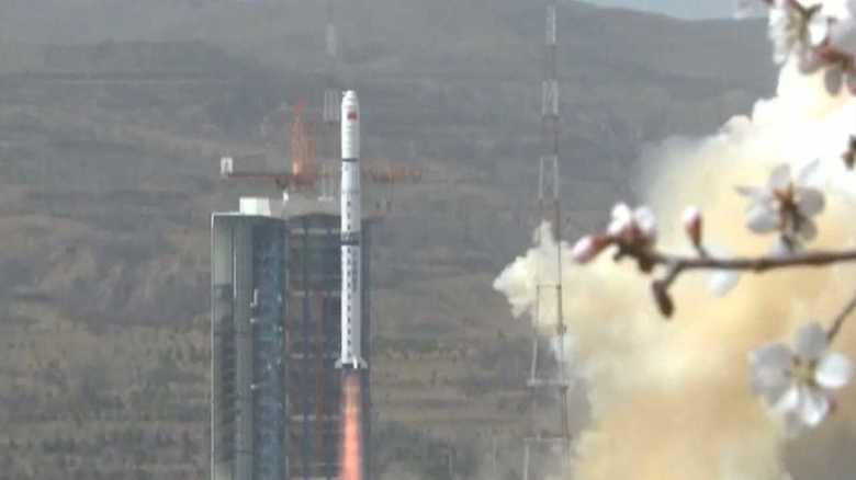 中国:天宮1号墜落の陰で、新型画像衛星打ち上げ