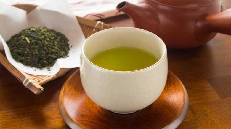 """緑茶を飲むとインフルエンザの予防効果! """"新型""""にも効くというその理由を聞いた"""