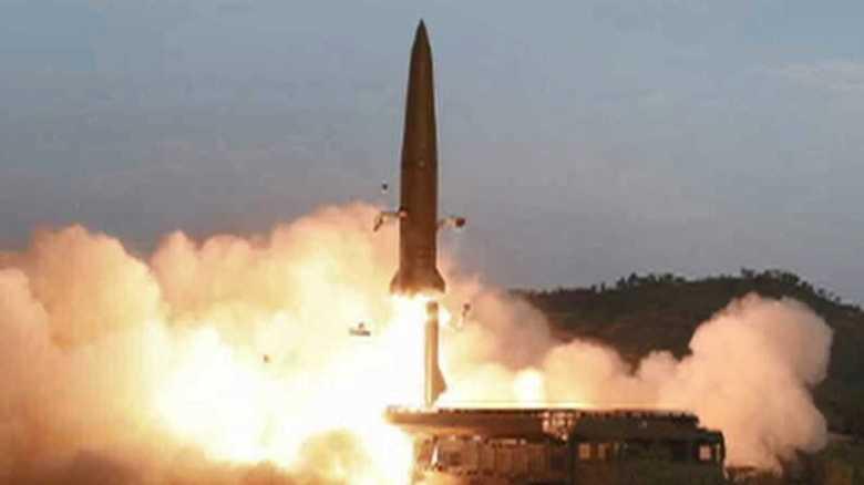 金正恩氏「新型戦術誘導兵器」視察 北朝鮮メディア報じる