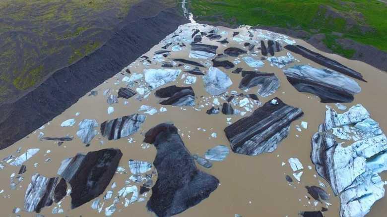"""アイスランドの""""氷河""""を空から見てみた…合成写真じゃないの!? 撮影者と専門家に聞いてみた"""