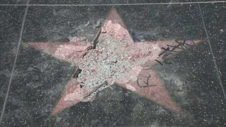 ハリウッドでトランプ米大統領の「星」がぐちゃぐちゃに破壊された