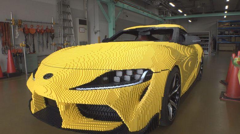 シート等内装も全部…レゴブロックの実物大「トヨタGRスープラ」約48万個で再現 モーターと電池で動く