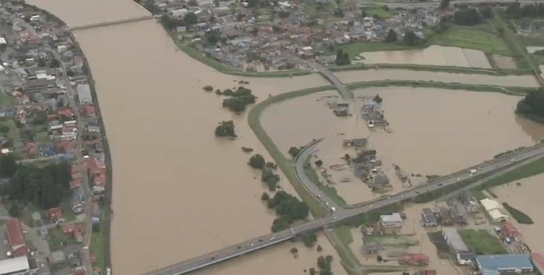 「みんな持って行かれてる」濁流に飲み込まれた町の被害全容は…山形県最上川が氾濫
