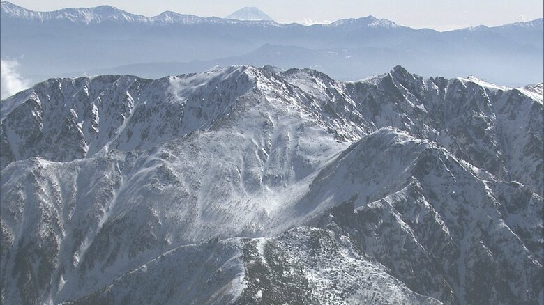 中央アルプス 駒ケ岳に登った山梨県の29歳公務員男性が遭難死 7日午後から天候悪化か