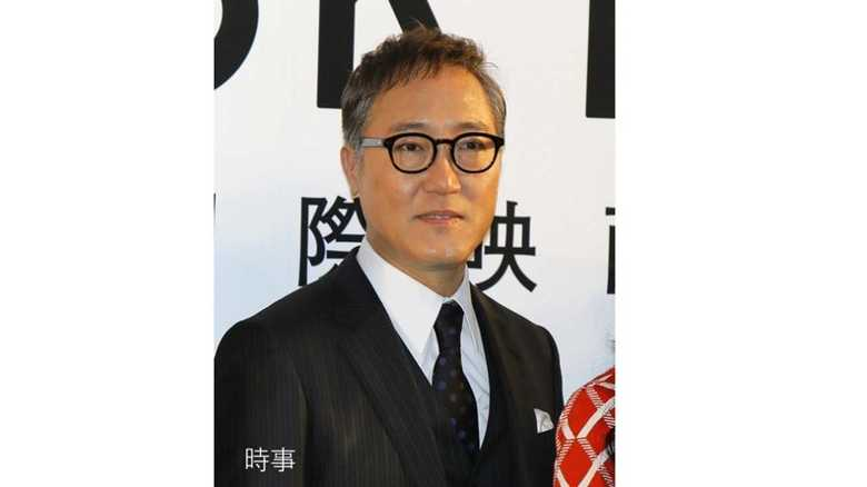 俳優・佐野史郎さんがテレビ番組のロケで腰椎を圧迫骨折… 骨折しないための予防法とは?