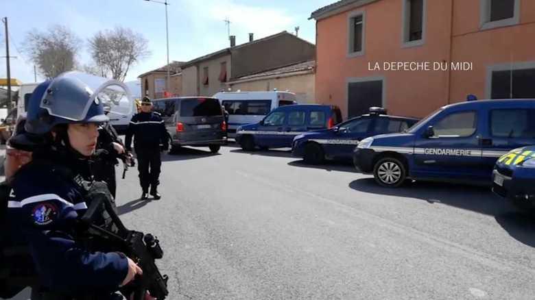 仏テロで姿を見せた「警察軍」