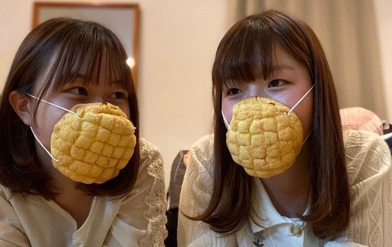 """本物のメロンパンでできた""""マスクパン""""が登場…飛沫防止の効果はある?おすすめの使い方を聞いた"""
