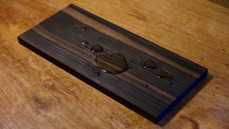 「木彫りの水滴」が本物にしか見えないと話題…実はまだ制作途中で、完成作品もすごかった!