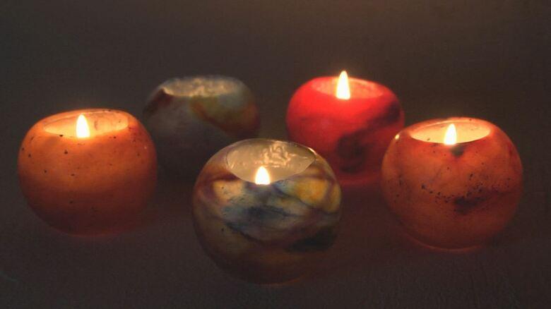 """火を灯すのがもったいない…美しき「プラネット キャンドル」 36歳の""""蝋の職人""""が作り続けるオンリーワン"""