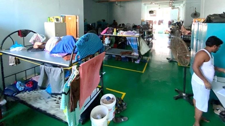 """""""優等生""""シンガポールでも4日連続1000人超の感染拡大…外国人労働者の宿泊施設で相次ぐクラスター"""