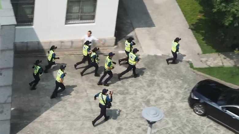 韓国で反日運動が過激化 総領事館に不法侵入も