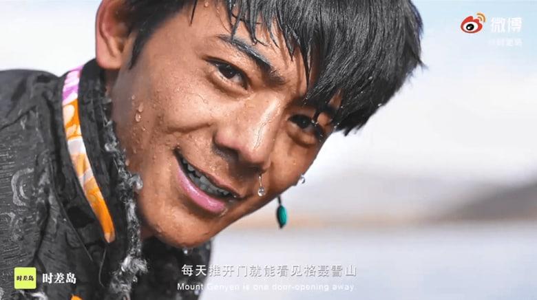 """""""チベット族イケメン青年""""動画1200万回再生と突如スターに…宣伝する中国当局の狙いは?"""