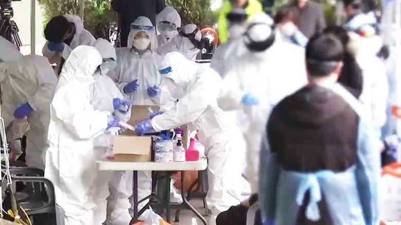 「数百人単位の集団感染が相次いで発生する可能性がある」韓国首都圏にコロナウイルス蔓延の危機