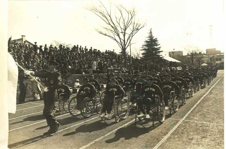 """「外国に負けてはいられない」1964東京パラリンピックから始まった、障がい者""""自立""""へ戦い"""