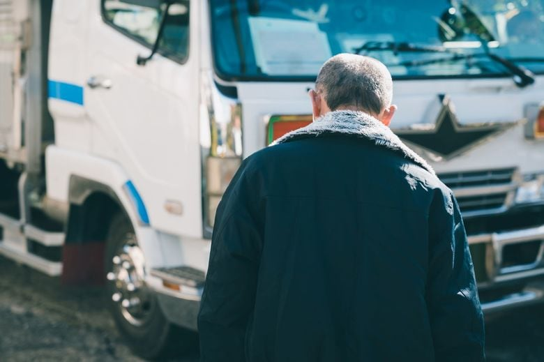 """「ウイルスを運んでいる…」コロナ禍のトラック運転手を悩ます""""偏見・中傷"""""""