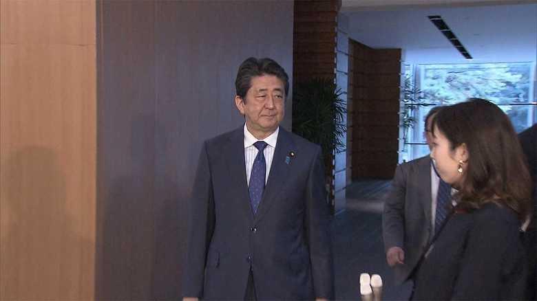 安倍首相と記者の3秒間の沈黙・・・緊迫の官邸で起きた不思議なぶら下がり取材の背景