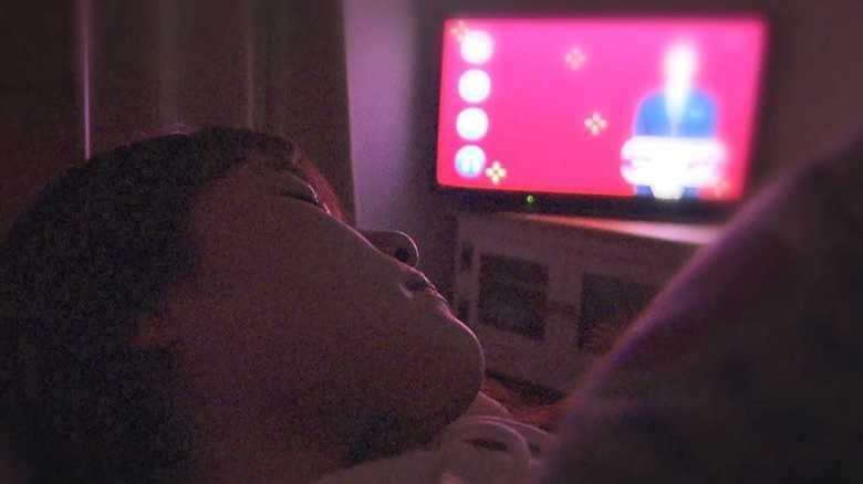明るい部屋で寝ると「太る」? 米国立研究所が気になる調査結果を発表