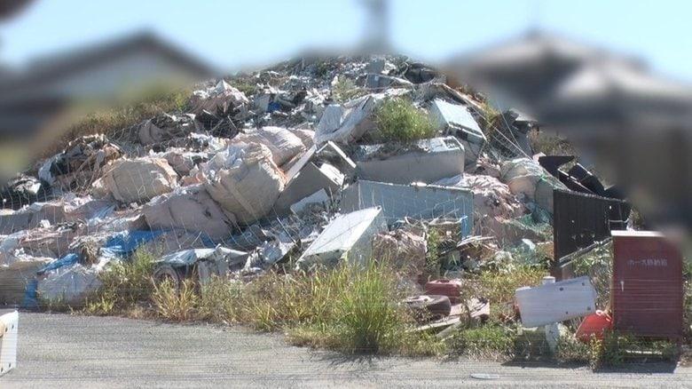 """住宅地に5m""""ゴミの山"""" 悪臭、迷惑行為・・・住民が抱える不安と苦悩 ついに行政代執行へ"""