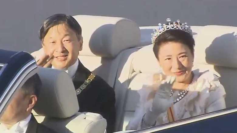 「祝賀御列の儀」皇后雅子さまのファッションを専門家が解説