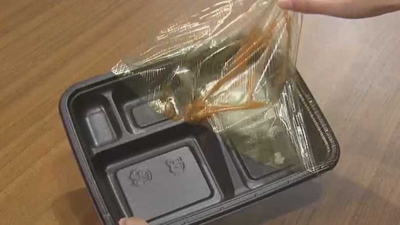 食べ終わったらフィルムを剥がしてリサイクル!丸の内の「エコ弁当」が凄い