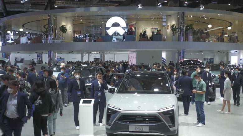 """世界初「夢の全固体電池」も?! 上海モーターショーで注目""""中国のテスラ""""NIOの実力"""