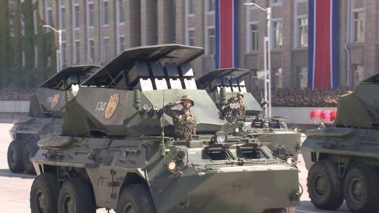 【北朝鮮創建70周年パレード】謎のミサイル・システム登場