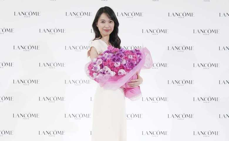 「20代より今が楽しい」戸田恵梨香(31)が艶やかなピンクロングドレスで登場 美の秘訣は…
