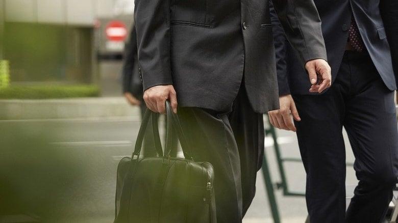 坂口憲二さんが無期限の活動休止を発表。同じ難病と闘う男性が語る「痛み」
