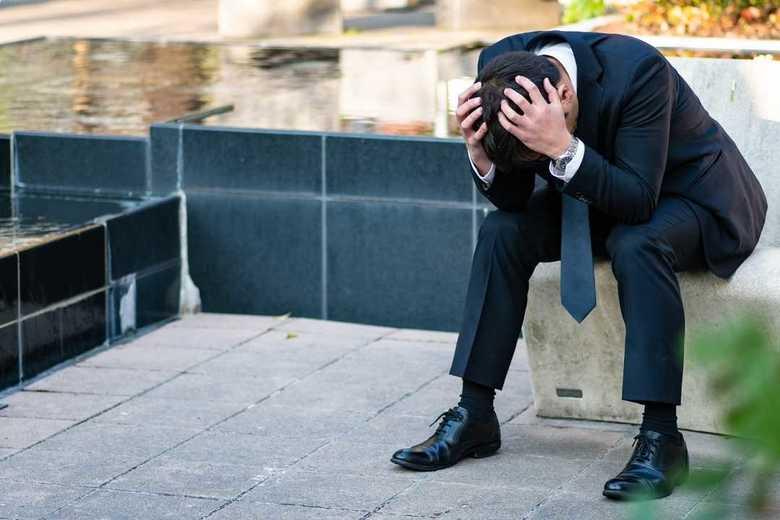 思わせぶりなLINE=「後悔する判断」は睡眠不足のせい!? 話題の投稿を専門家に聞いた