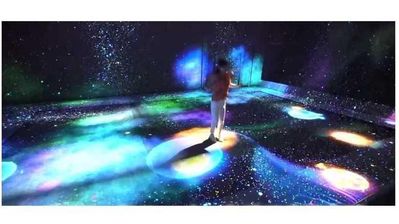 トランポリンでジャンプすると星が誕生?触って体感できるデジタルアートミュージアム