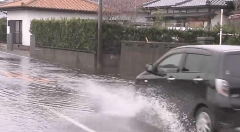 冠水道路は「水深が車の床面を超えたらもう危険!」台風時にドライバーが押さえておきたい留意点