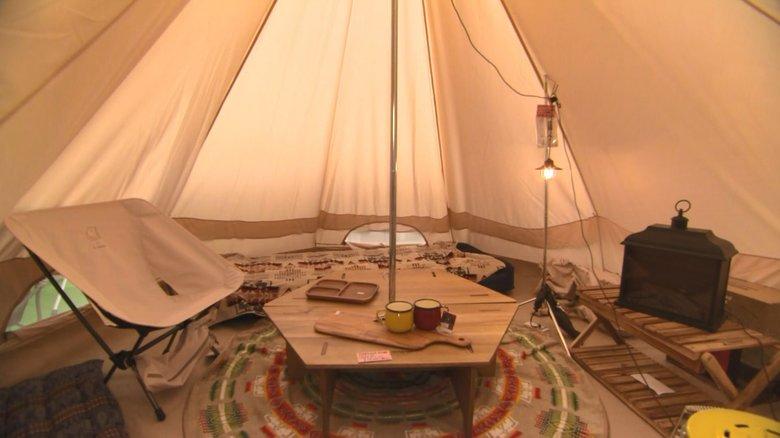 """綺麗な星空を見ながら温かい料理を楽しむ """"冬キャンプ""""の魅力に迫る"""