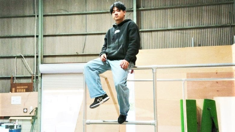 モノを跳び越えたり登ったり…仏発祥「パルクール」 日本王者が倉庫に専用施設「誰でも楽しめる場所を」