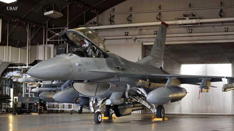 F-16低空飛行映像は誰に見せるものなのか