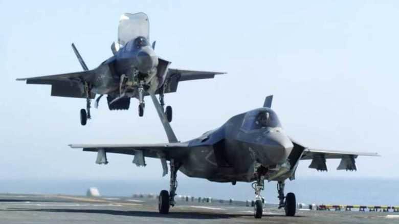 F-35Bステルス戦闘機を搭載したら護衛艦「いずも」は「攻撃型空母」になるのか