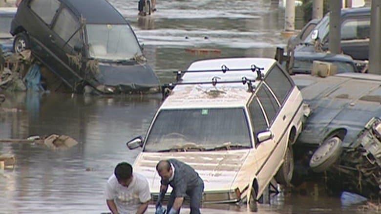 20年前の「前例ない豪雨」が今や頻繁に…豪雨から命守るためまず『今いる所のリスク確認』 インフラには何十年も