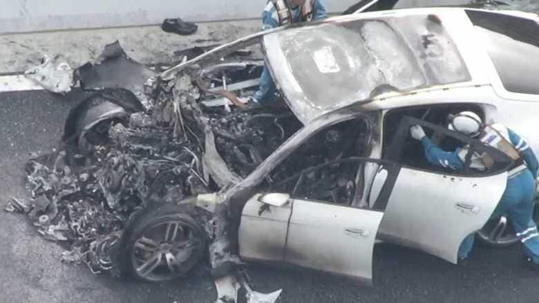 医師運転のポルシェ 「大幅スピード超過」かトラックに追突・炎上…死亡事故