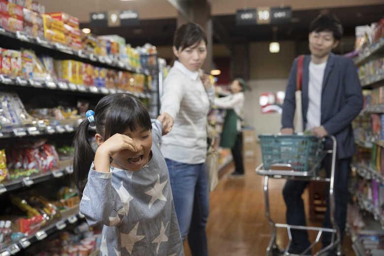 """幼少期の食べ物への満たされなかった欲求は""""大人になって爆発する""""説は本当? 専門家に聞いた"""
